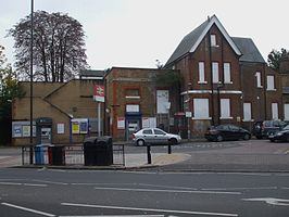 Isleworth station building.JPG