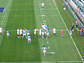 2010 Six Nations Championship - Line-out between England, in white, and Italy, in blue, 14 February 2010. England won the match 17–12.