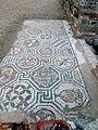 Izbliza deo podnog mozaika sa arheoloskog nalazista Feliks Romulijana.JPG