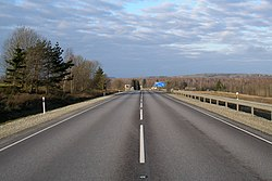 Jõhvi-Tartu highway near Tartu, 2007-12.jpg