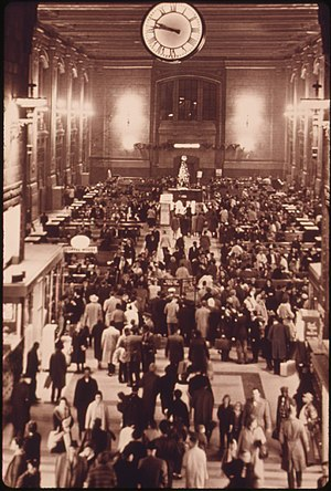 Kansas City Union Station -  A typical crowd in the Grand Hall of the new Union Station