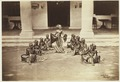 KITLV 3905 - Kassian Céphas - Serimpi of the sultan of Yogyakarta perform a dance called Semang II - Around 1885.tif