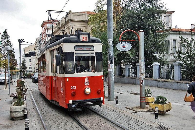 File:Kadiköymodadtrassenbahn.jpg