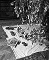 Karácsonyfa és ajándékok 1940-ben Budapesten. Fortepan 71450.jpg