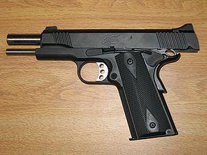 Kimber Custom - Image: Kimber Custom TLE II (Slide locked)