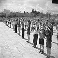 Kinderen van het kinderdorp Oniem tijdens de gymnastiekles, Bestanddeelnr 255-0529.jpg