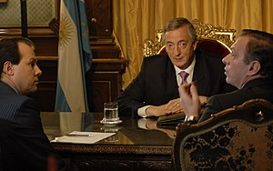 Todo Noticias - President Néstor Kirchner is interviewed in 2007 by Gustavo Sylvestre and Marcelo Bonelli of the news interview program, A Dos Voces.