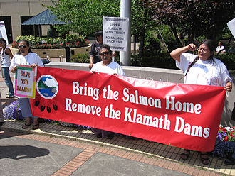 Klamath River Hydroelectric Project - Demonstrators calling for removal of dams on the Klamath River in Oregon and California, USA