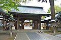 Komagata-jinja (Oshu) shinmon.JPG