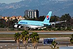 Korean Air Lines Airbus A380-861 (HL7613) at LAX (22909788586).jpg