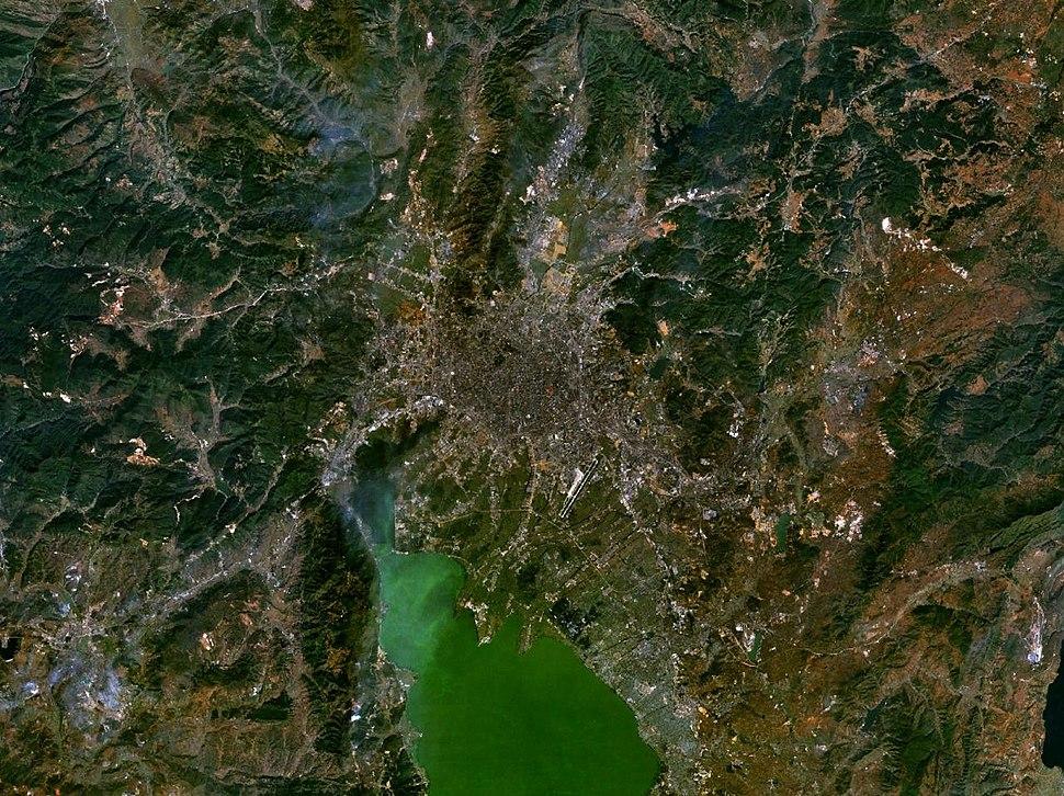 Kunming 102.71986E 25.03390N