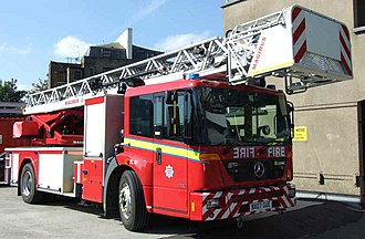 Mercedes-Benz Econic - Image: LFB Turntable Ladder