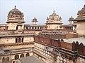 Le Jehangir Mahal (Orchha) (8451913468).jpg
