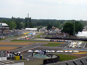 Endurance racing (motorsport) - Rolling start of the 2008 Le Mans 24 Hours