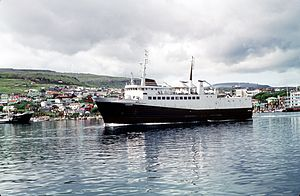 Le ferry-boat Dúgvan.jpg