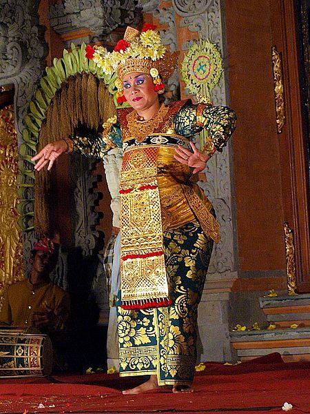 File:Legong Dance, Ubud, Bali 02.JPG