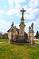 Lhota u Náhořan - sochy svatých u kříže na návsi3.jpg