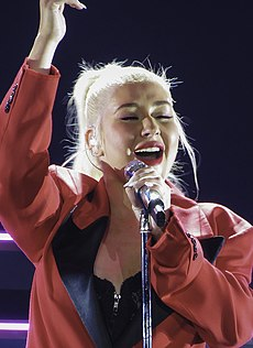 Liberation Tour (45997616942) (cropped).jpg