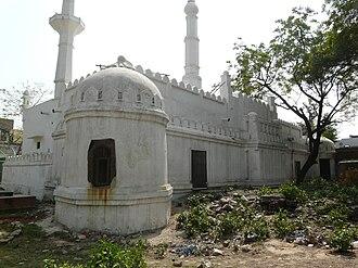 Sri Aurobindo Marg - A Lodhi Mosque at Adh Chini