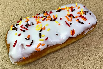 Long John (doughnut) - A Long John from Cub Foods in Lakeville, Minnesota, United States