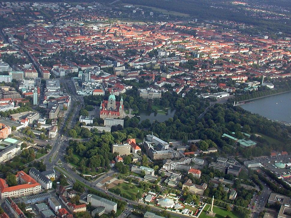 Luftbild Hannover Rathaus.JPG