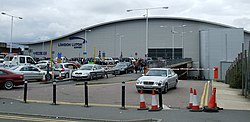 Luton Airport - geograph.org.uk - 560676.jpg