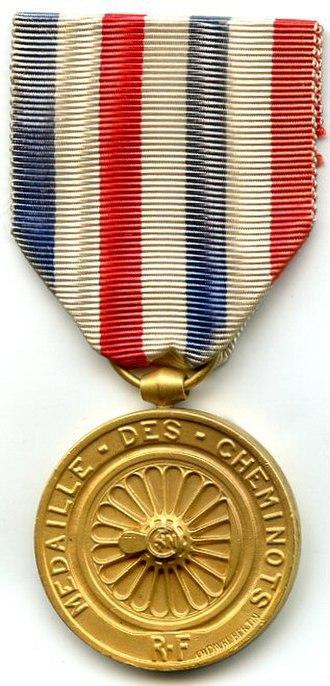 Honour medal of railroads - Image: MÉDAILLE D'HONNEUR DES CHEMINS DE FER 1939 1953 or