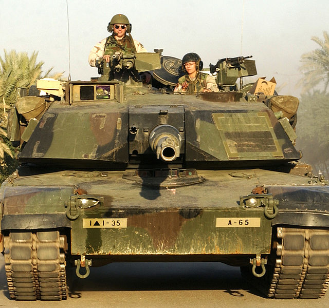 Bestand:M1A1 abrams front.jpg