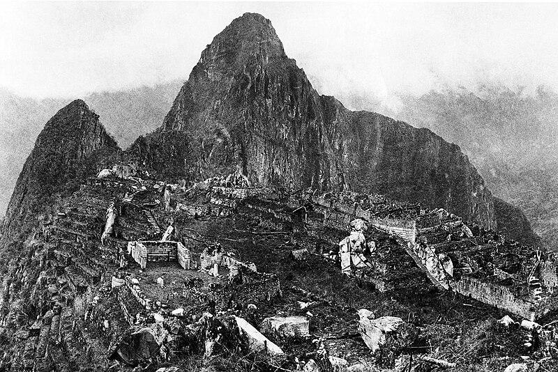 Fotografía de Machu Picchu tomada en 1912 por Hiram Bingham, su descubridor.