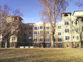 Tuberculosis treatment in Colorado Springs - Image: Main Hallformer Cragmor Sanatorium