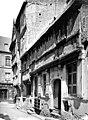 Maison - Façade - ensemble, vue diagonale - Bayeux - Médiathèque de l'architecture et du patrimoine - APMH00000270.jpg