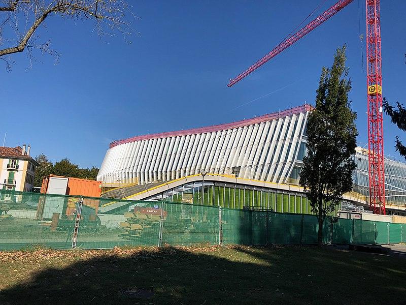 File:Maison olympique en construction, Lausanne.jpg