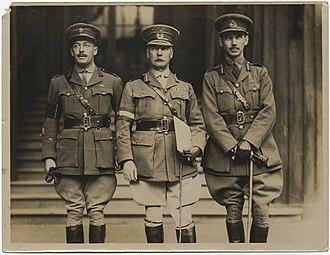 Edward Whipple Bancroft Morrison - Major General E.W.B. Morrison with Major L.C. Goodeve (left) and Brigadier General C.H. Maclaren, C.R.A., 4th Canadian Division (19897834791)