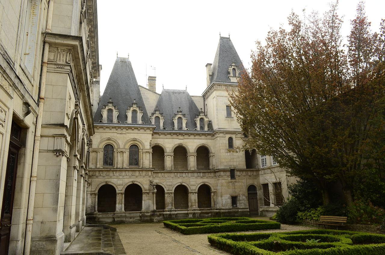Mansion de Henri y Diana.JPG