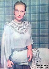 Marlene Dietrich 1948 2.JPG