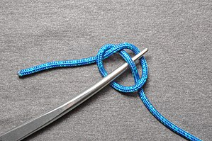 Bight (knot) - Image: Marlinespike hitch ABOK 2030 Step 3