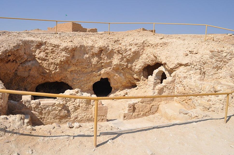 Masada, Byzantine dwelling caves - katsniffen