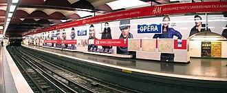 Opéra (Paris Métro) - Image: Metro Paris Ligne 3 station Opera 05