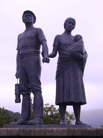 "Rhondda - Commemorative statue to the ""Mining Communities of Rhondda"" Robert Thomas (1926-1999)"
