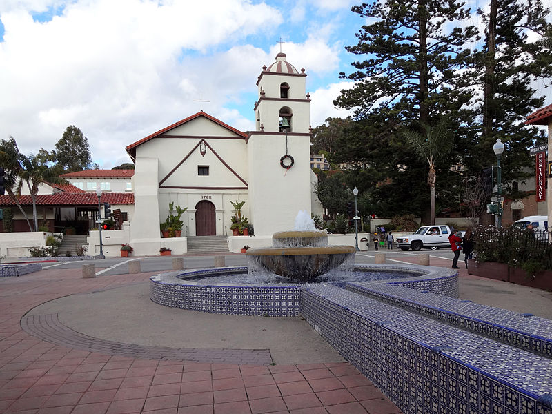 Mission San Buenaventura and fountain.jpg