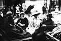 Mistral, madame de Croisset, Jean Richepin, (Francis) de Croisset, 4 mai 1910 (à Arles) - (photographie de presse) - (Agence Rol).jpg