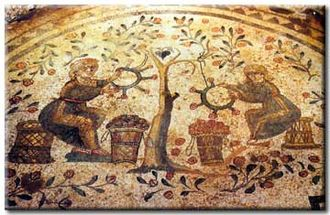 Rosalia (festival) - Mosaic depicting the weaving of rose wreaths (Villa del Casale, 4th century)