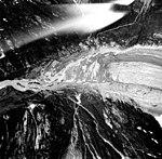 Morse Glacier, mountain glacier terminus and outwash, August 22, 1965 (GLACIERS 5664).jpg
