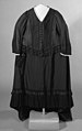 Mourning dress MET 50.40.4b view2 bw.jpeg