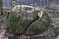 Nd026 01 Wilhering zklobener Stein.JPG