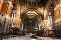 Nef de la Basilique Sainte-Thérèse de Lisieux.JPG