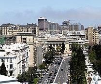 Neftchiler Avenue, Baku, 2010 (2).jpg