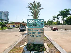North Bay Village, Florida - Entrance to North Bay Village on eastbound Kennedy Causeway