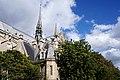 Notre-Dame de Paris, nuages.JPG