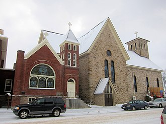Notre Dame Church and Goldsmith Memorial Chapel - Image: Notre Dame Chippewa Falls 4